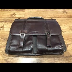 Kenneth Cole Reaction Brown Leather Briefcase